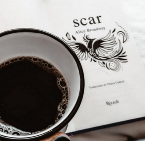Scar, di Alice Broadway (Ink Trilogy #3)